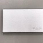 モバイルバッテリー TPB12P3 バッテリー容量:4000mAh 本体重量:118g サイズ:縦110.5mm×横68mm×厚み10mm 出力電圧:5V/1A